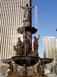 Cincinnati-fountain-square